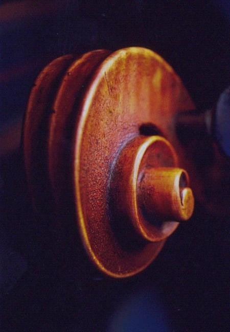 Finer Montagnana scroll craqueleur, cello varnish