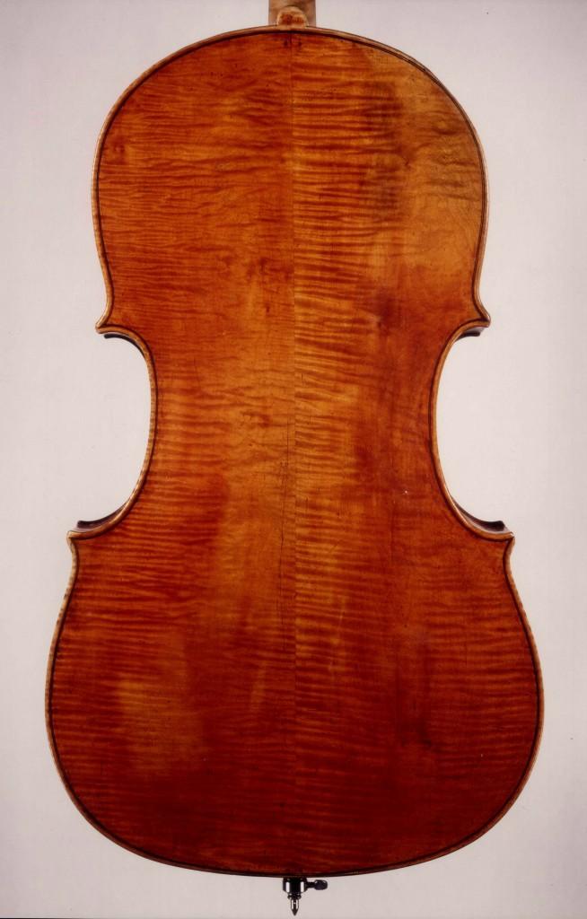 Photo of the back of an original Guadagnini