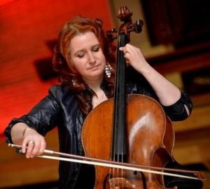 Photo of Hannah Roberts cellist